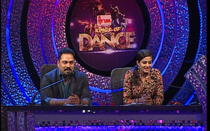 Reality shows in vijay tv - DD Hot Navel & Boom Show in